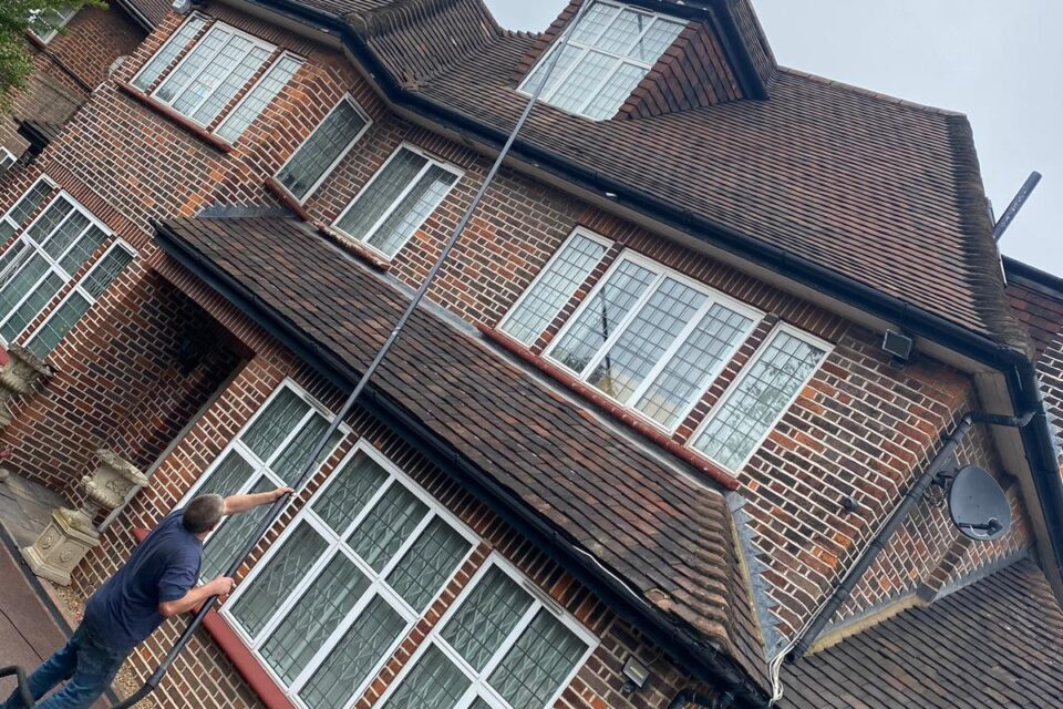 Gutter Cleaning Near Me Mitcham